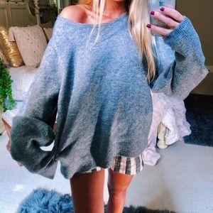 Sweaters - grey cozy plush slouchy knit